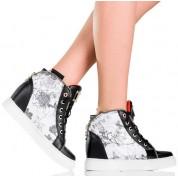Czarne Sneakers'y - Modne Kwiatowe Wzory